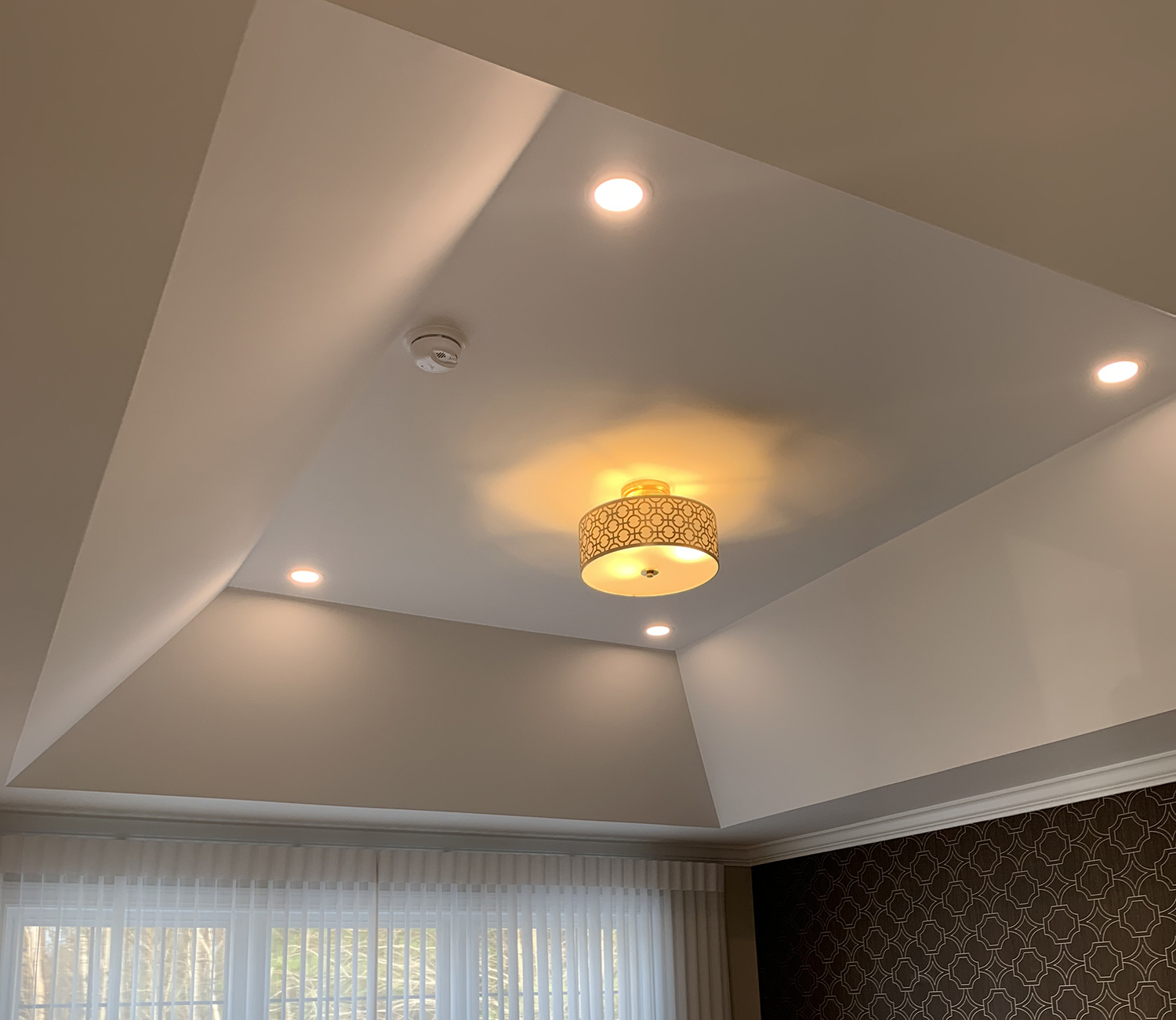 Hcb Amenities Feature Tray Ceilings